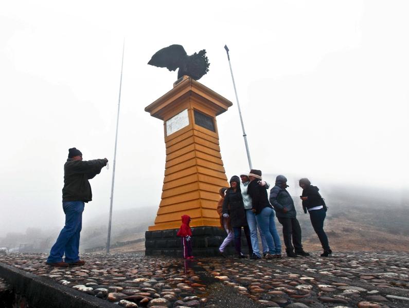 Temporadistas-disfrutan-en-el-Pico-El-Águila-Mérida.-Foto-Lerry-Cataño